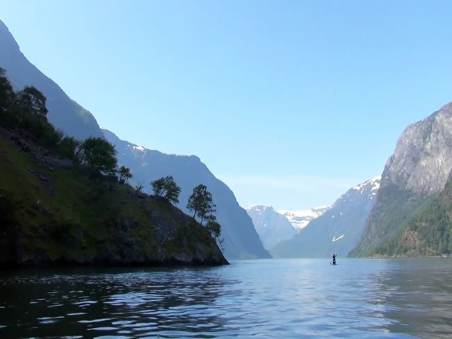 SUP Norway - Lonly paddler, Sognefjord