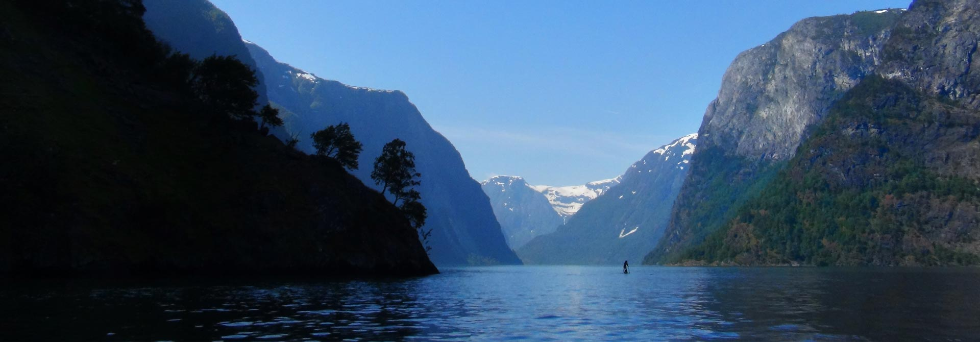 SUP Norway - Lonely paddler